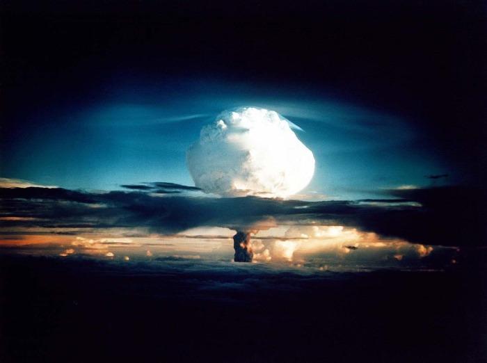 hydrogen_bomb_atomic_bomb_nuclear_explosion