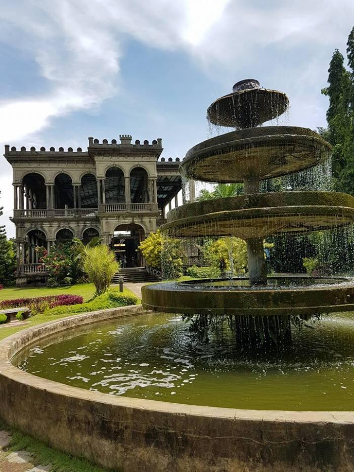 The ruins fountain